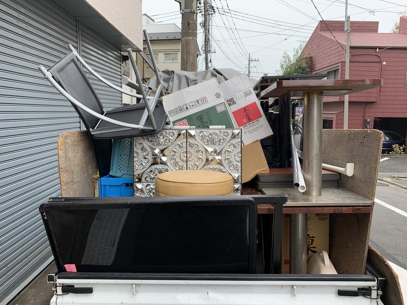 店舗のリニューアルの為の回収(品川区)の写真