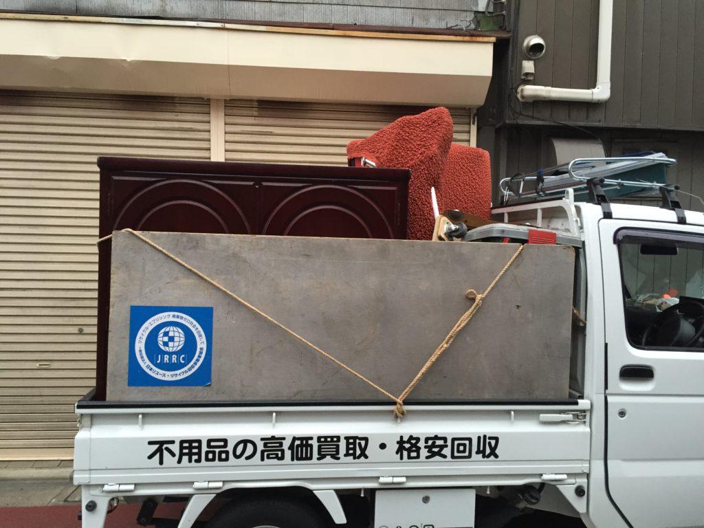 ソファー、家具等を軽トラック一杯パックにて回収(大田区)の写真2
