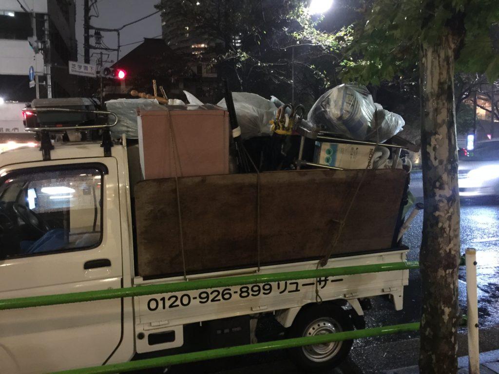 軽トラック一台半分の不用品を回収(港区)東京都の写真1