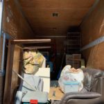 2tトラック一台分のお引越の不用品を回収(新宿区)の写真1