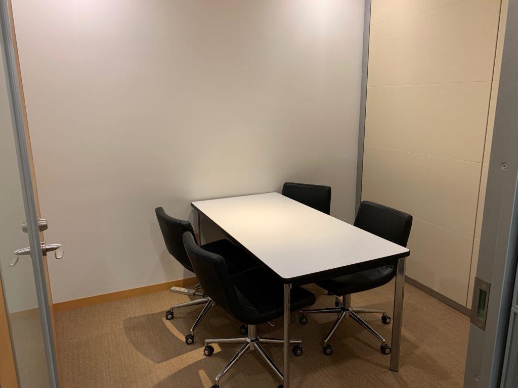 江東区のオフィス(事務所)の不要なオフィス家具の撤去回収前の写真9