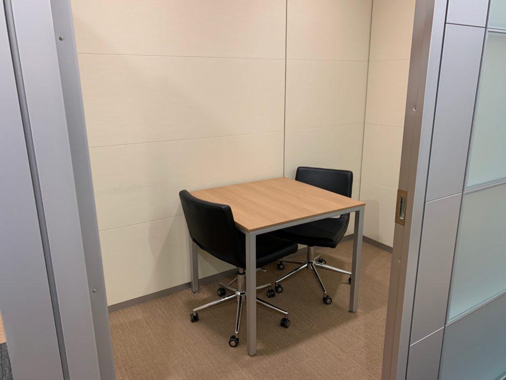 江東区のオフィス(事務所)の不要なオフィス家具の撤去回収前の写真6