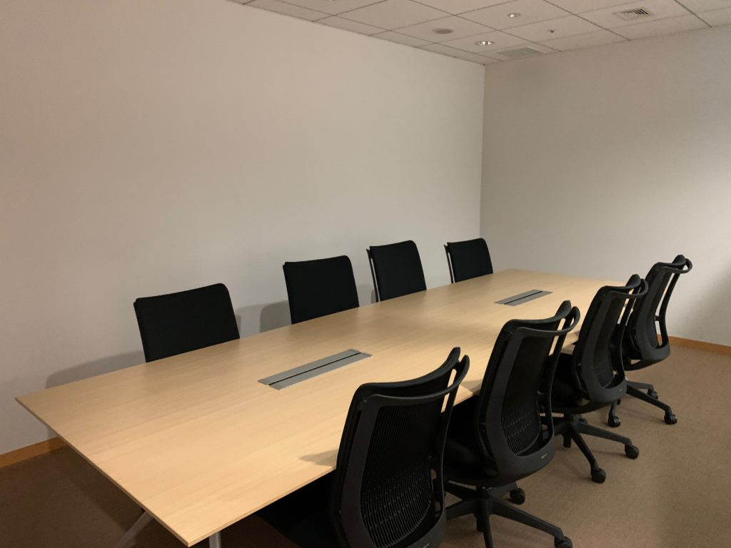 江東区のオフィス(事務所)の不要なオフィス家具の撤去回収前の写真8