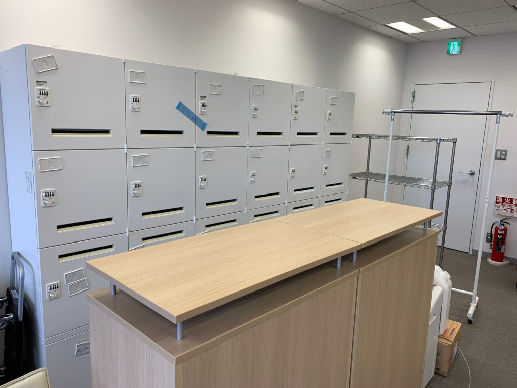 江東区のオフィス(事務所)の不要なオフィス家具の撤去回収前の写真3