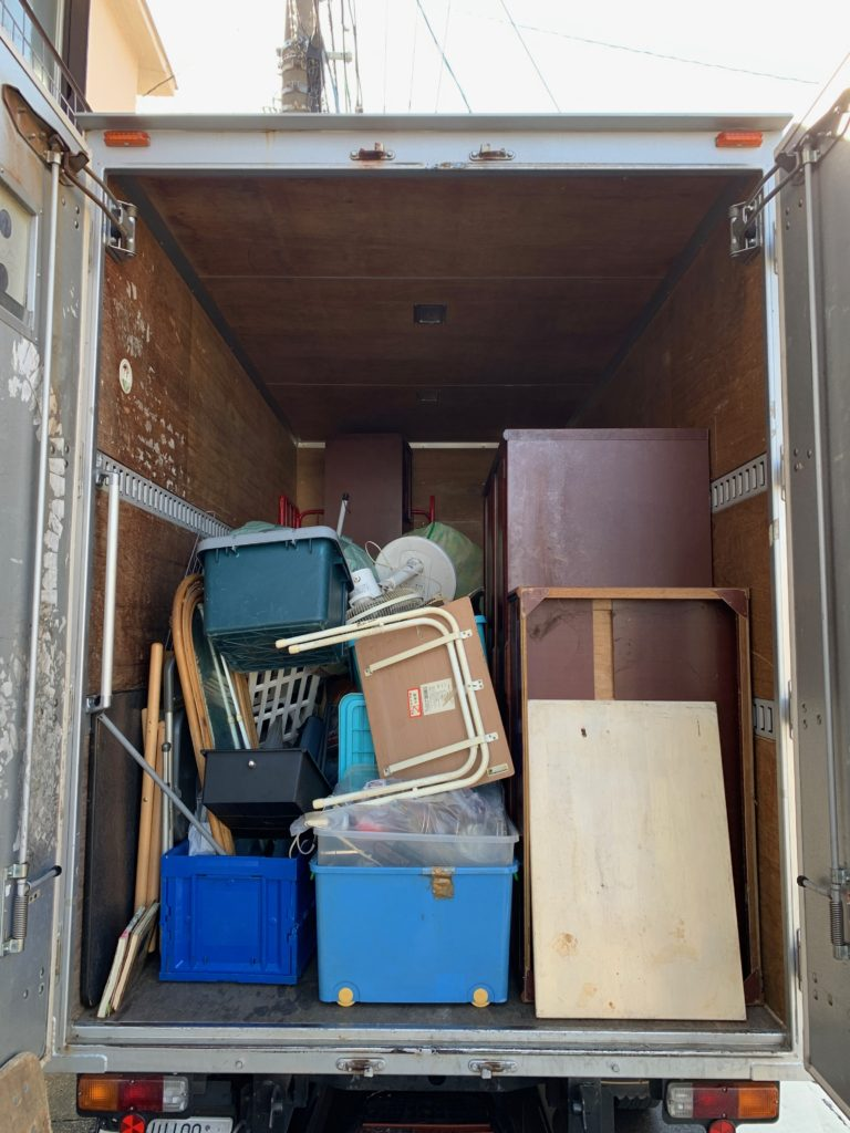 目黒区でのお引っ越し時の不用品回収(家具等)後の写真