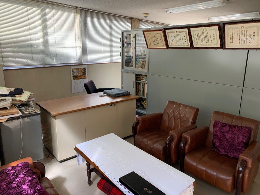 江東区オフィスビル一棟の残置物処分(オフィス家具)の処分の写真5