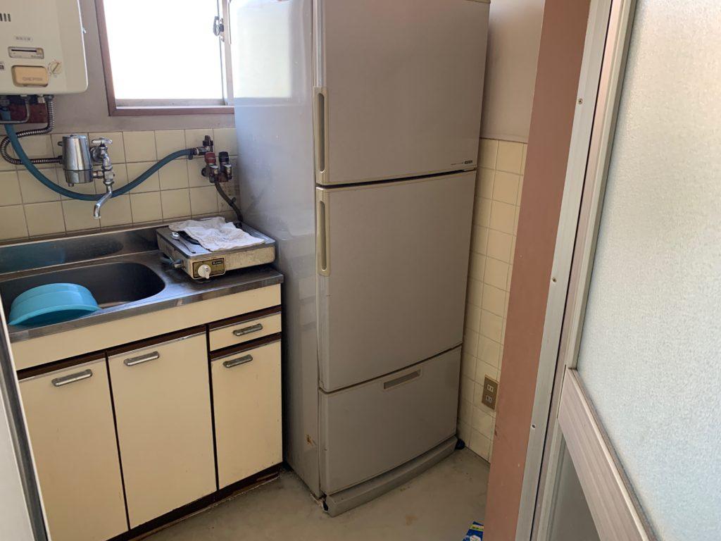 江東区オフィスビル一棟の残置物処分(オフィス家具)の処分の写真3