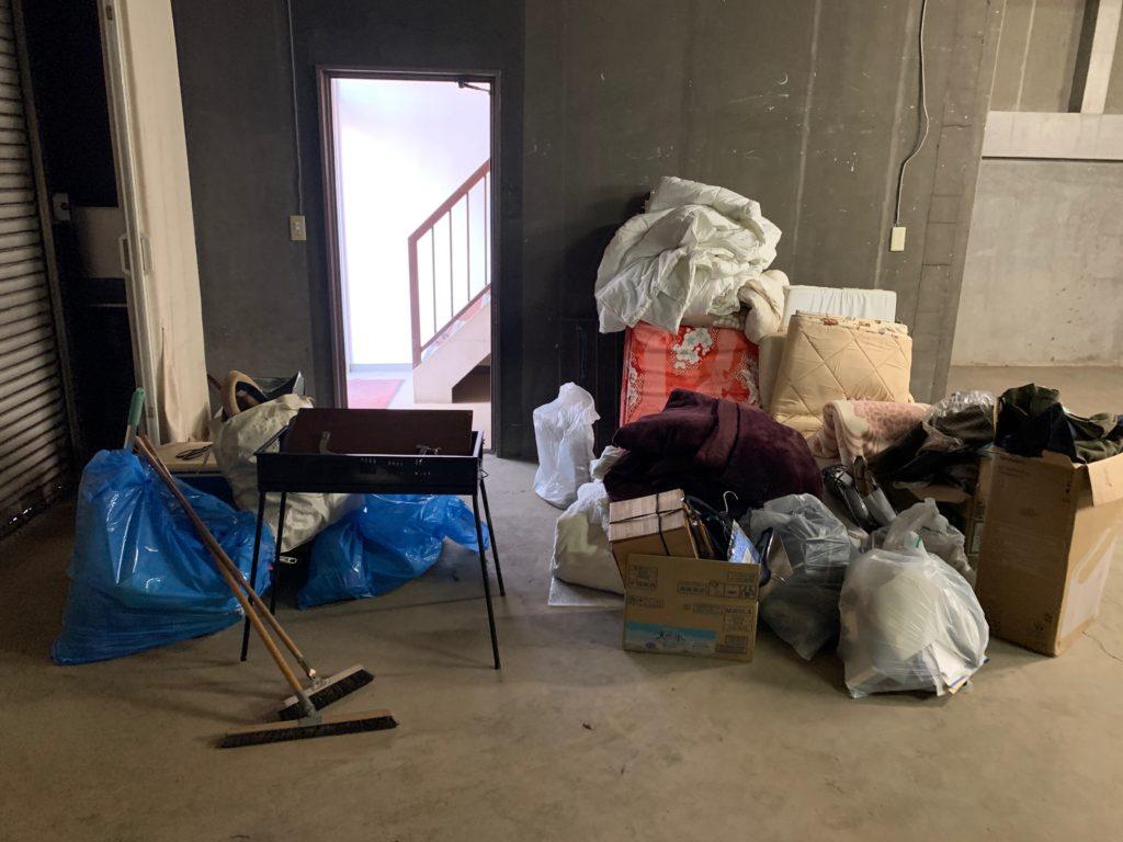 江東区オフィスビル一棟の残置物処分(オフィス家具)の処分の写真2