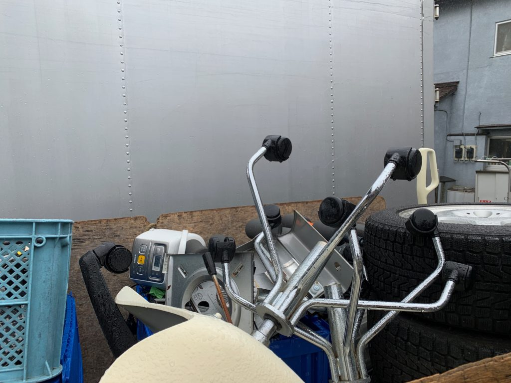 ご自宅の不用品を軽トラック一杯パックにて回収(大田区)の写真2