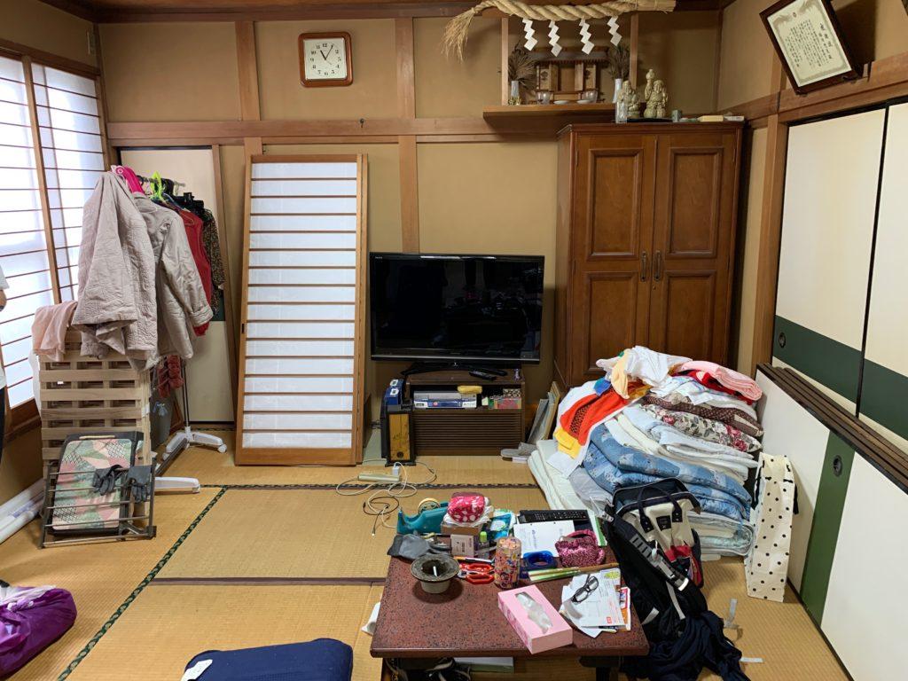 一軒家の残置処分前の写真(二階部屋2)品川区