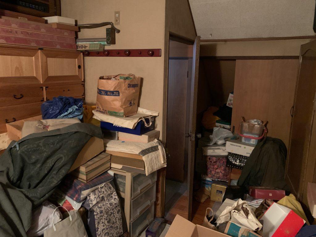一軒家の残置処分前の写真(三階部屋1)品川区
