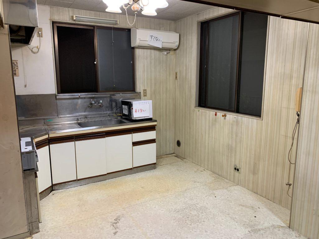 一軒家の残置処分後の写真(二階キッチン)品川区