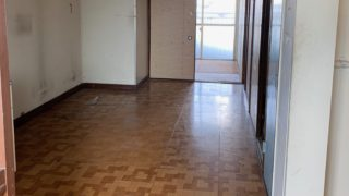 都営住宅の残置物処分(生前整理)後の写真(玄関)目黒区