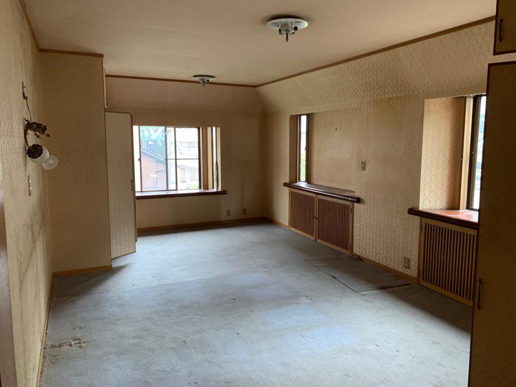三回建戸建ての残置物処分後の写真(三階部屋1)港区