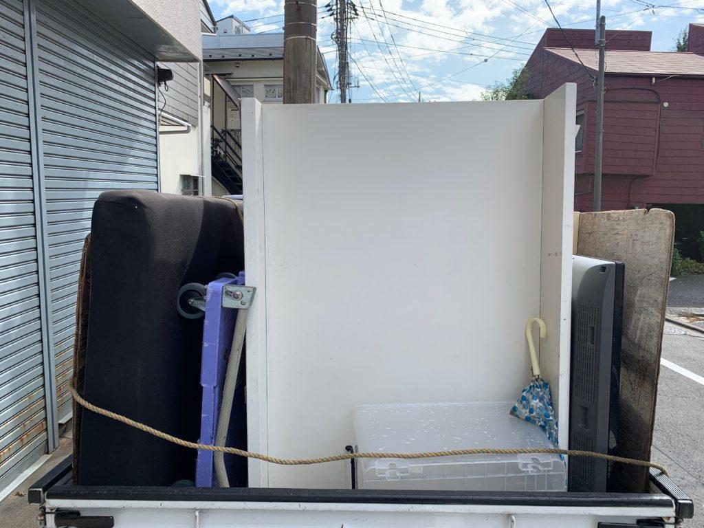 お引越し時の不用品を軽トラック一杯パックにてお引取りの写真(品川区)